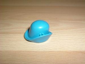 Chapeau relevé bleu
