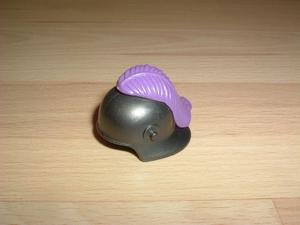 Casque chevalier plume violette