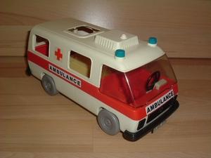 Ambulance 1ère génération vendue en l'état