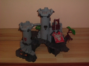 Château chevaliers fantômes neuf