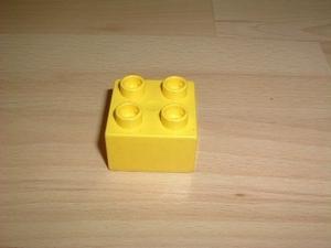 Brique 4 picots jaune