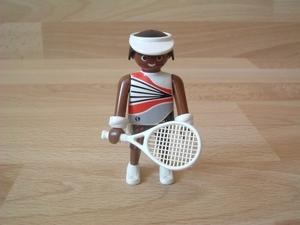 joueur de tennis avec casquette