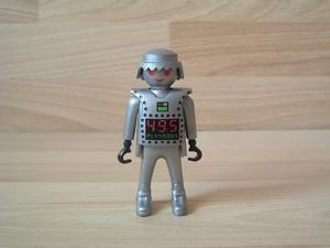 Robot argenté