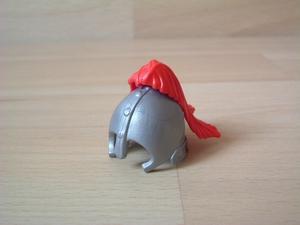 Casque chevalier plume rouge