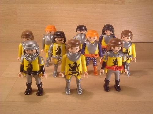Lot de 10 chevaliers en l'état