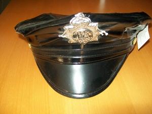 Casquette policier aspect verni noir