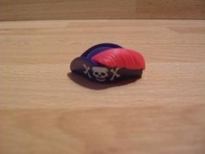 Chapeau pirate avec plume Neuf