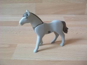 Cheval nouvelle génération gris