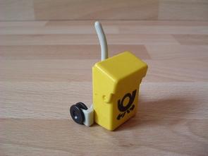 Chariot jaune pour postier