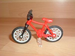 Vélo VTT rouge
