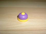 Bonnet jaune et violet