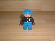 Policier casque bleu