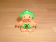 Personnage chapeau vert