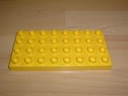 Plaque 32 picots 4x8 jaune