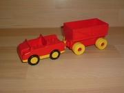 Voiture rouge remorque roues jaunes