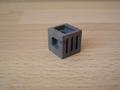 Cube gris foncé