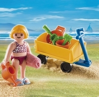 Enfant avec jeux de plage 4755