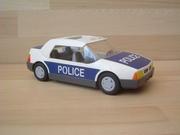 Voiture de police en l'état