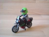 Moto avec pilote