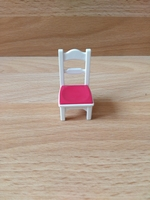 Chaise de cuisine blanc et rose