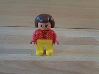 Femme gilet rouge