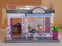 Boutique salon de théde fleurs en l'état