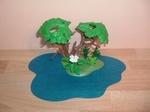 Mare d'eau avec arbre Neuf