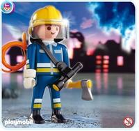 Pompier avec hache 4675