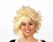 Perruque moderne courte blonde